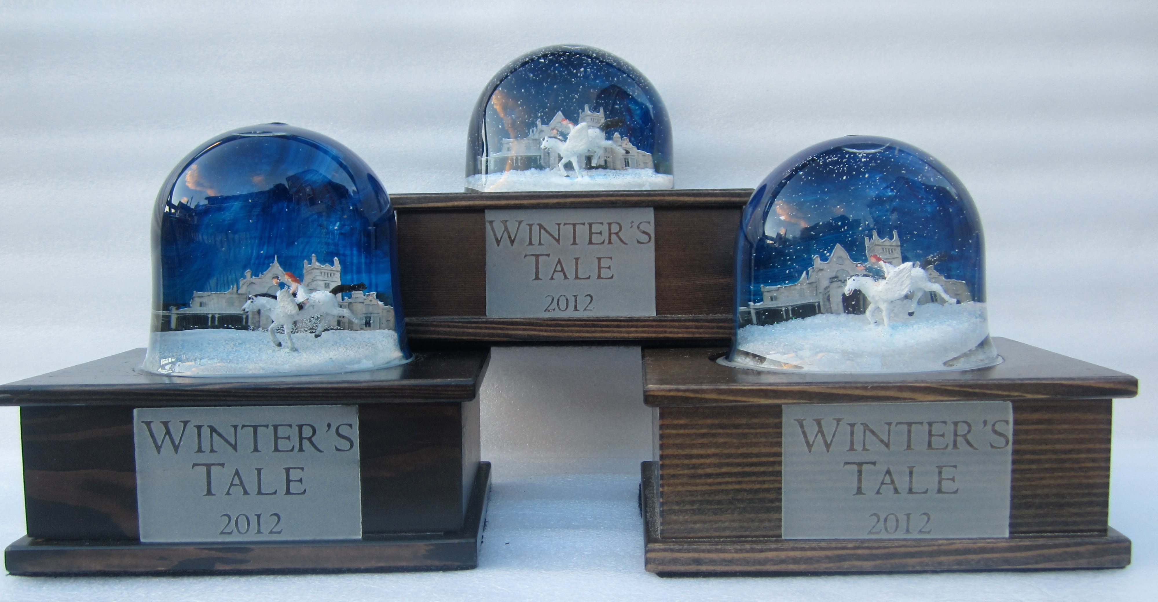 08-portfolio-snow-dome-winters-tale