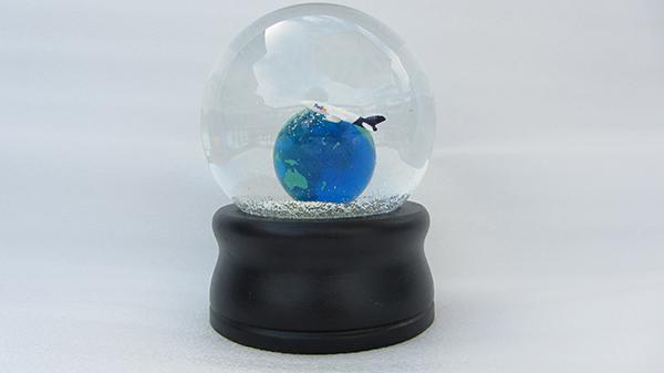 13-portfolio-snow-globe