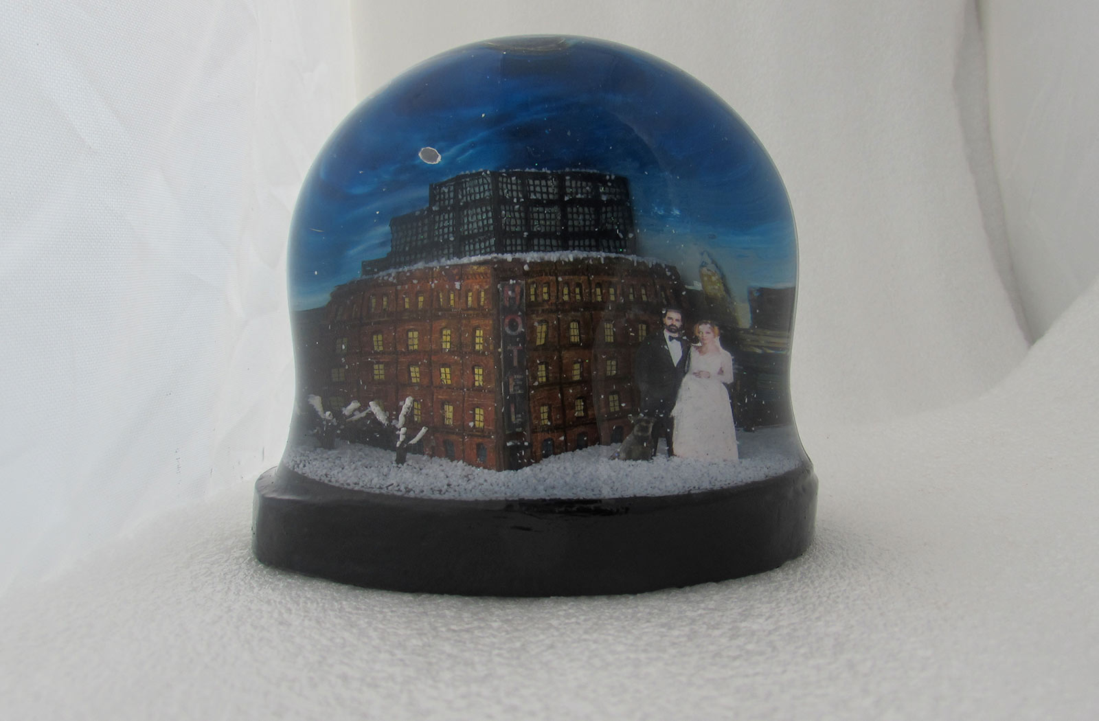 Custom snow globes and snow domes for weddings